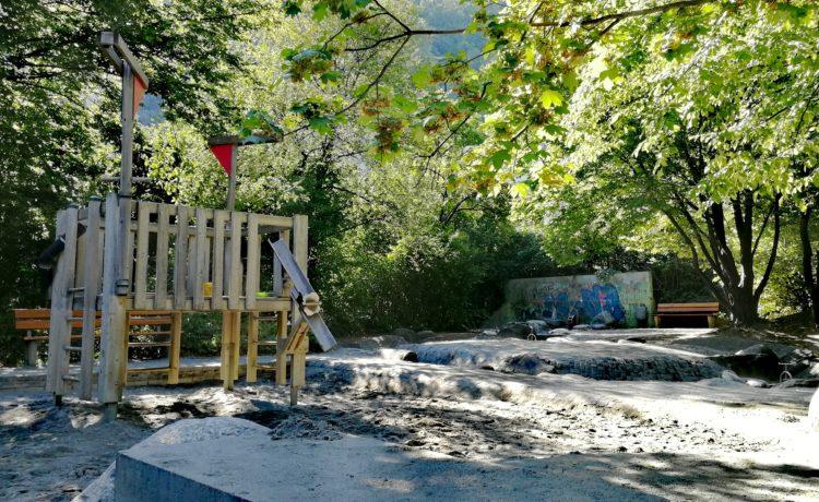 Spielspass für Kinder – Neuer Spielplatz Quader