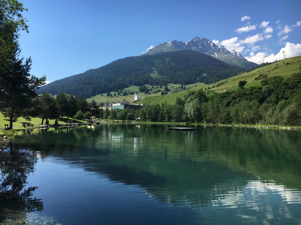 Spielplatz am Badesee in Graubünden