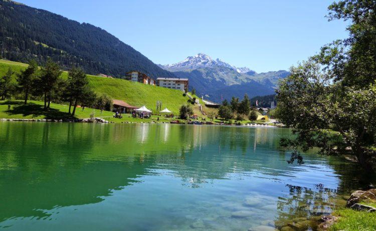 Spielplatz am Badesee in Graubünden – Savognin