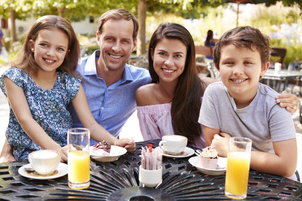 Auswärts Essen mit älteren Kindern
