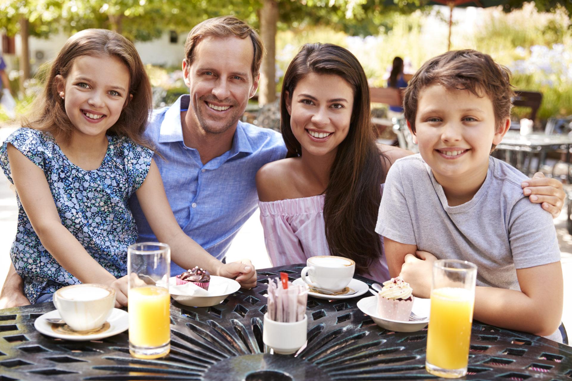 Auswärts Essen mit älteren Kindern – Pontresina