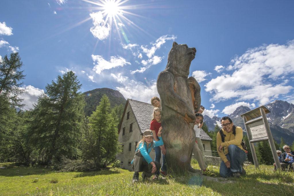 Bären-Erlebnisweg für Familien in S-charl im Unterengadin